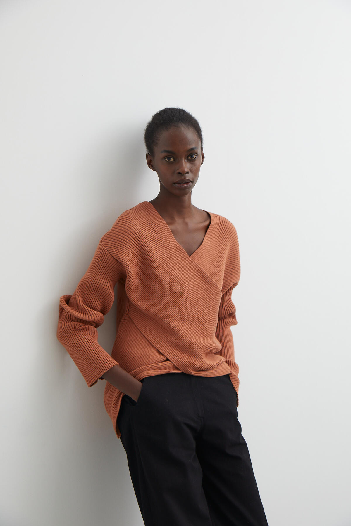 CROSSOVER KNIT SWEATER