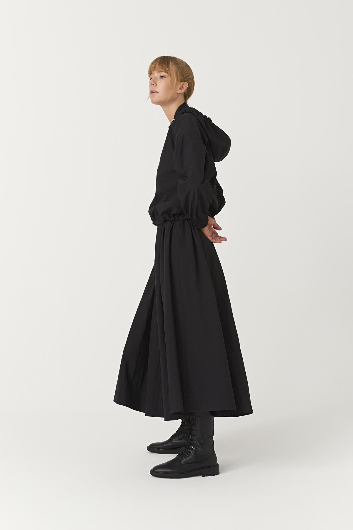 SUIT WITH WAISTED ELASTIC SKIRT