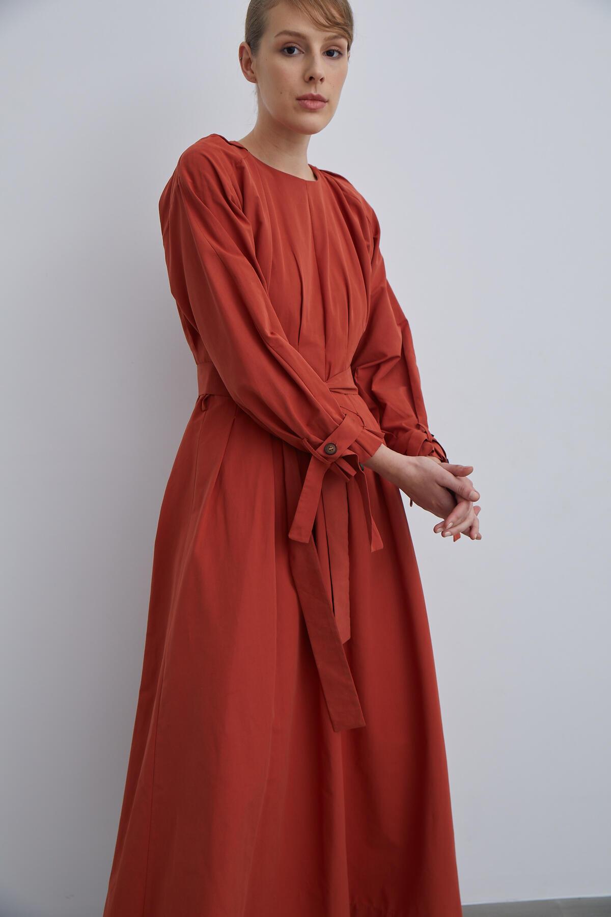 WAISTED FOLDING DRESS