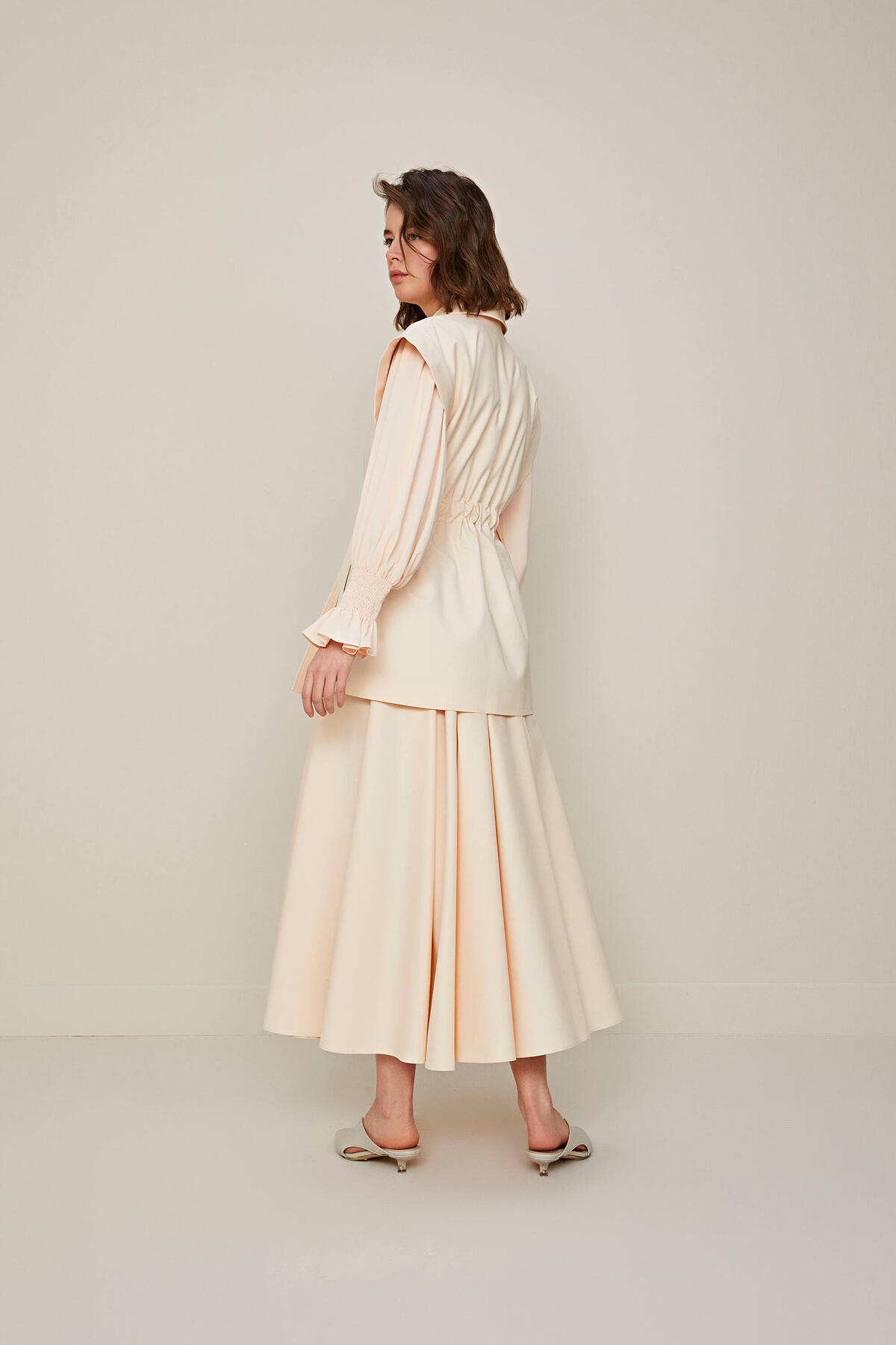 WIDE RUFFLE SKIRT SUIT